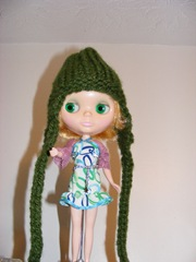 fruit punch blythe claire modeling hat