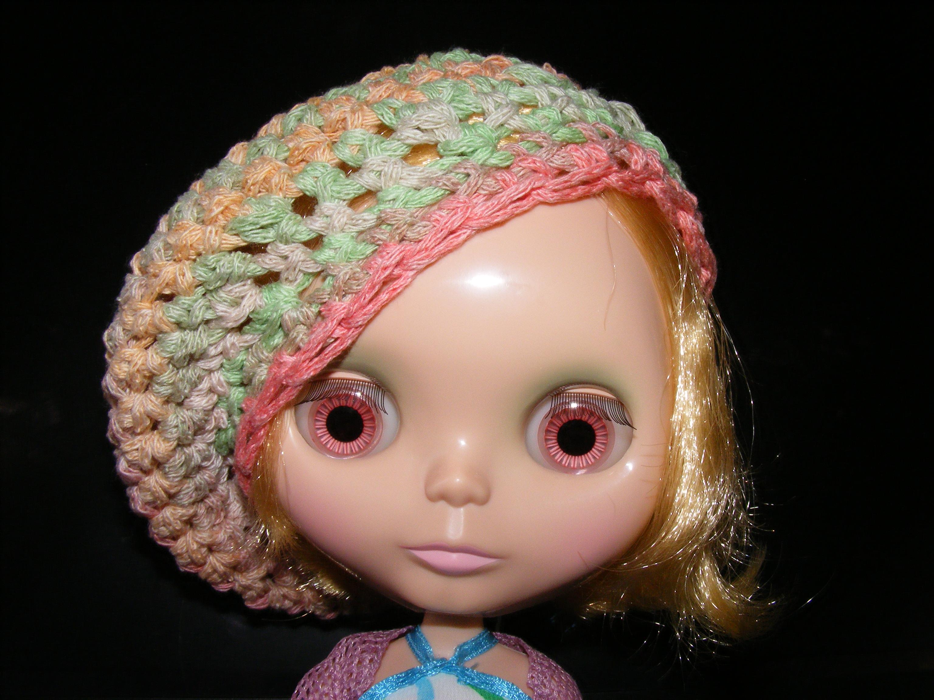 Crochet Hat Pattern For Blythe : Freebie Friday! Blythe Crocheted Hat
